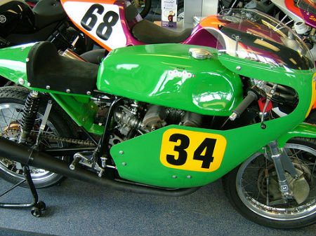 culture Benelli - Page 6 500-GP-Replica-verte-02-