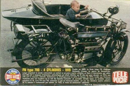 Le jeu de l'image - Page 38 700-4-Cylindres-Side-Car-1919noire-grisefiche-01-